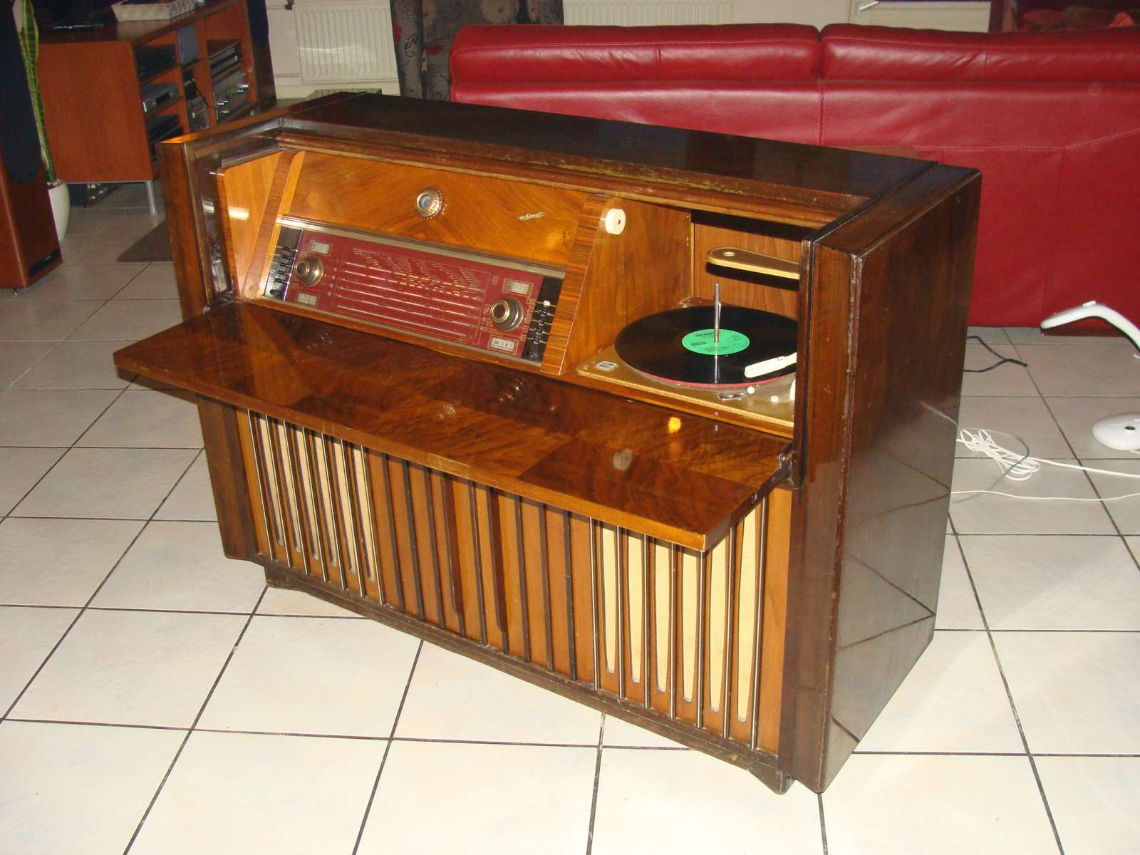 Tv Radio Meubel : Aanschaf fx a radiomeubel pagina buizenradioclub